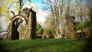 Ruines au jardin public Anne Heinis