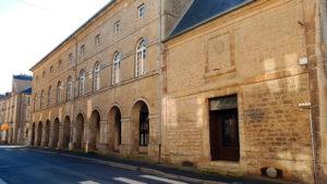 Médiathèque Julien de Laillier et ses arches