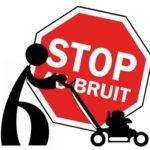 """Pictogramme d'un personnage poussant une tondeuse à gazon avec, en fond, un panneau de signalisation rouge avec le texte """"STOP AU BRUIT"""""""
