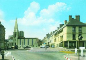 Place Vicq d'Azir et église Saint-Malo peu après la reconstruction
