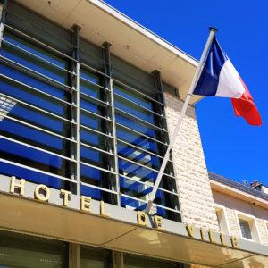 Hôtel de Ville - Drapeau